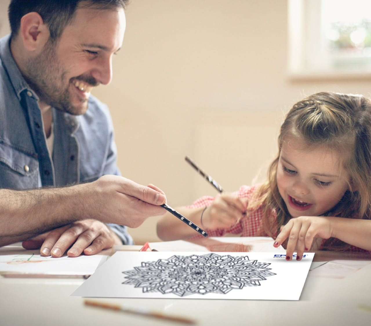 Actividades creativas que se pueden hacer con la impresión en familia