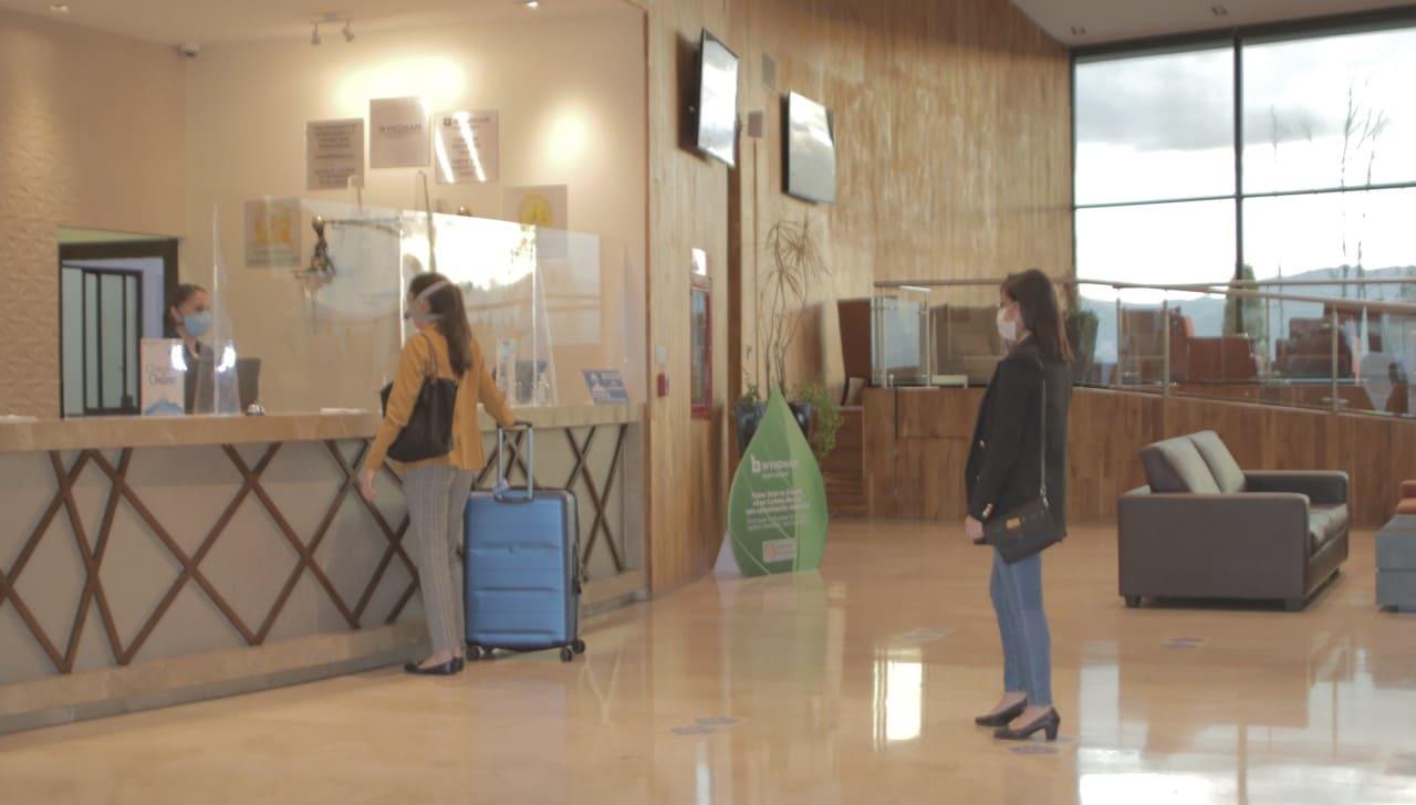 Hoteles reactivan sus operaciones con altos protocolos de bioseguridad
