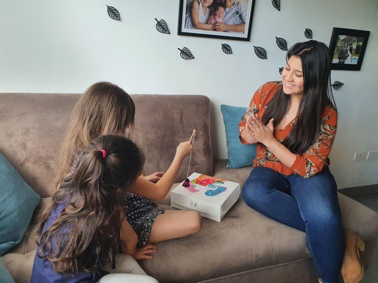 Oriente Seguros entregó kits lúdicos vacacionales a los hijos de sus colaboradores