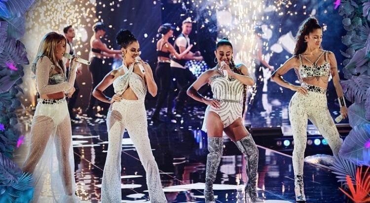 Artistas rinden homenaje a Selena Quintanilla en Premios Juventud 2020