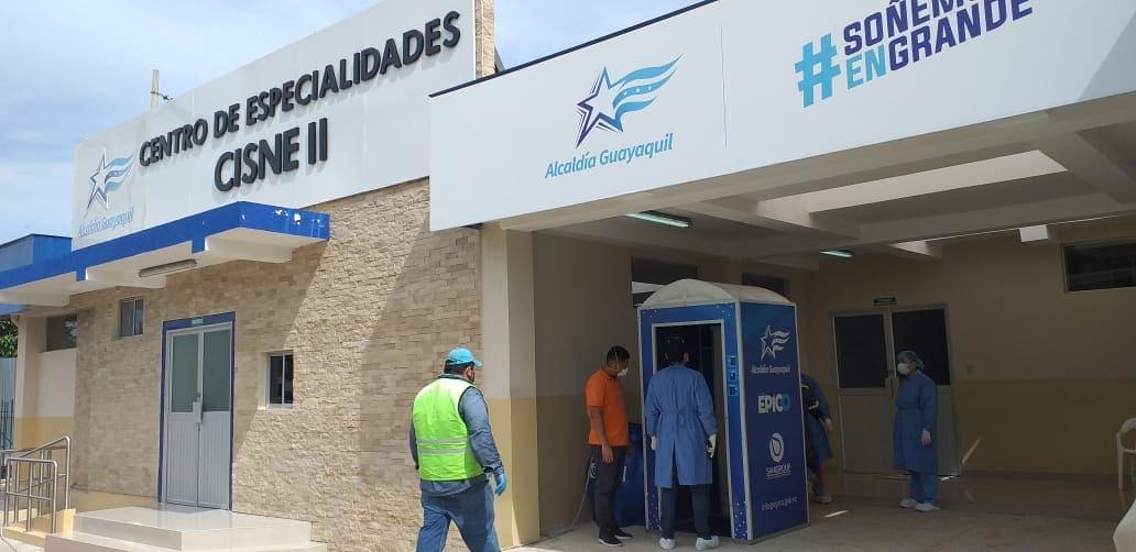 CABINAS SANITIZADORAS SE ENTREGARON EN HOSPITALES DE GUAYAQUIL PARA EVITAR INFECCIÓN DEL COVID-19