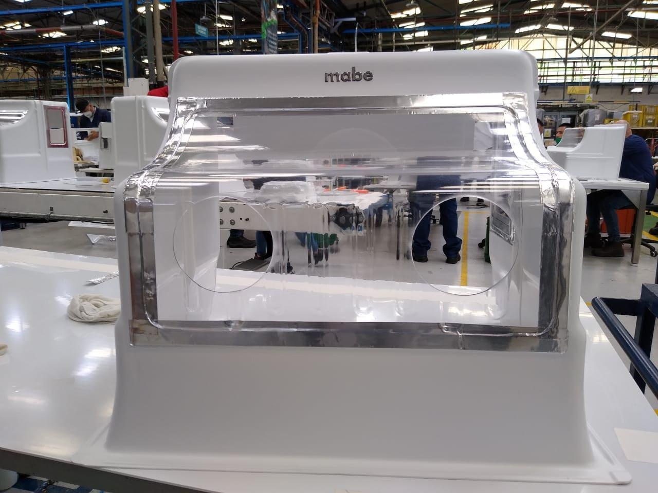 La empresa Mabe dona 2.000 Aeroboxes para el personal de la salud en Ecuador