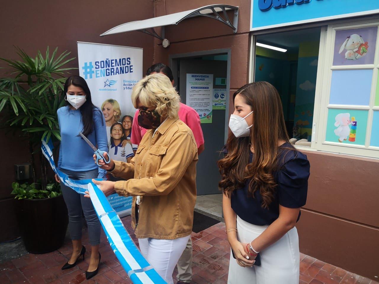 Inauguran la primera sala de lactancia materna en el Malecón 2000
