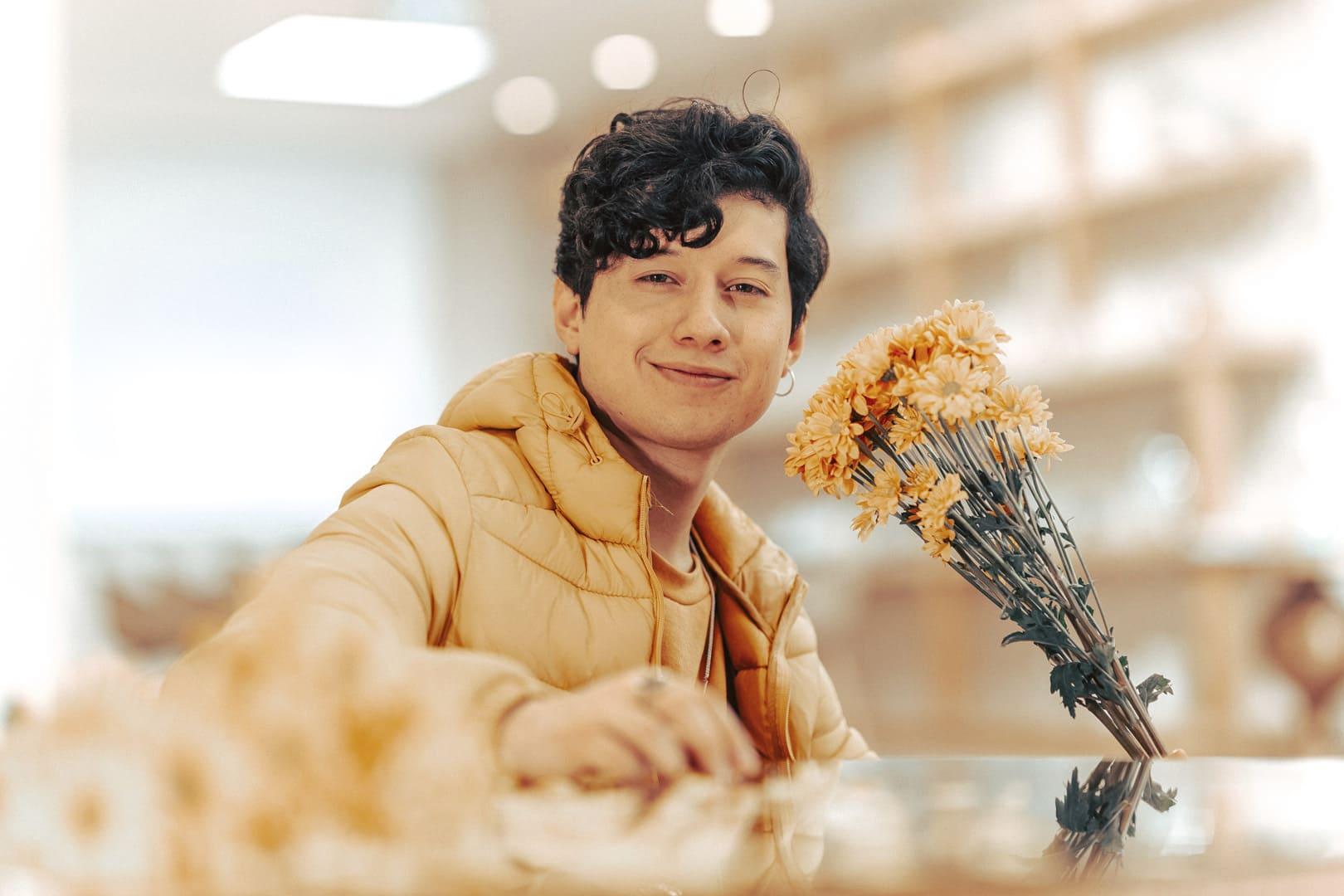 """""""Contigo Amor"""" es la conmovedora canción que presenta el artista ecuatoriano Felipe Moon"""