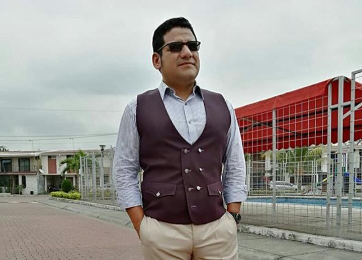 "Julio Medina representará al país en la pasarela digital ""América se viste de Moda"" en México DF"