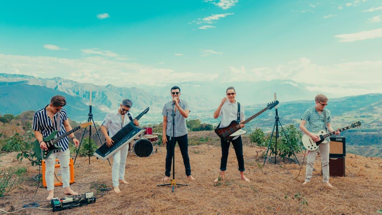 """La banda musical El Efecto Doppler presenta su nuevo sencillo """"No te Vayas"""""""