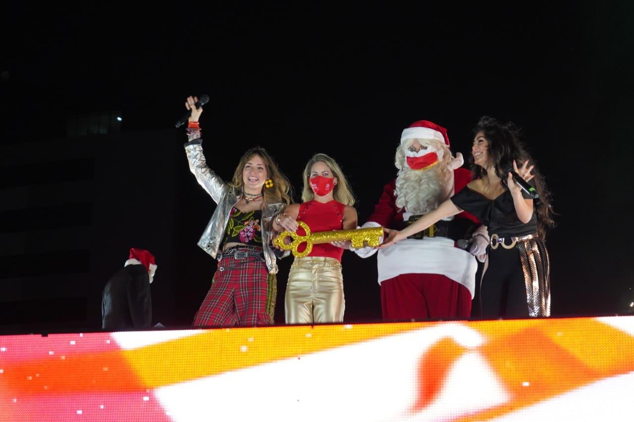 Mall del Sol dio inicio a la época Navideña con show musical