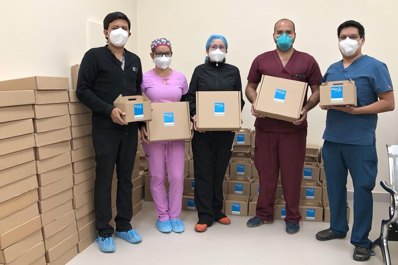Bupa Ecuador donó 150 kits de manuales a los hijos de médicos que atienden el Covid-19