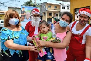 "Consejo Cantonal de derechos de Guayaquil realiza gira navideña: ""Regalando Sonrisas"""