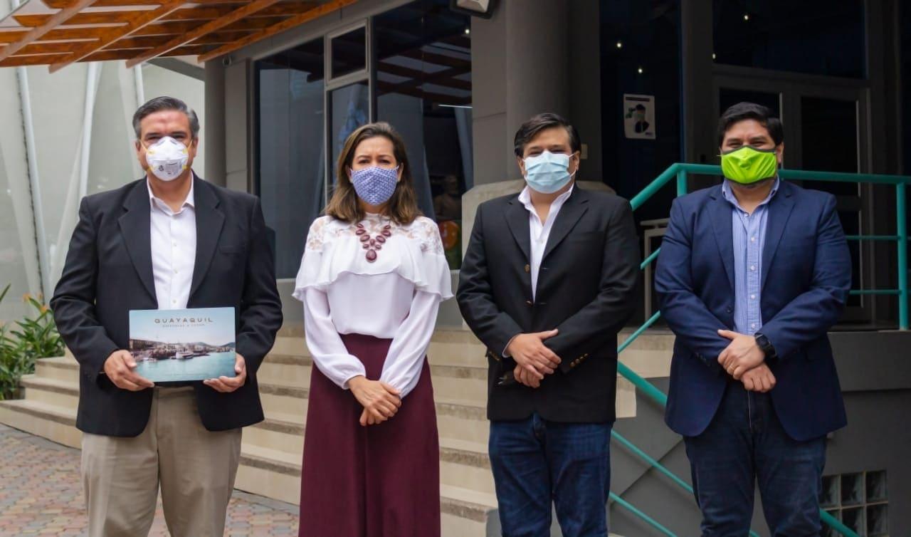 """Épico revive la esencia de la ciudad en un libro """"Guayaquil Historias a Color"""""""