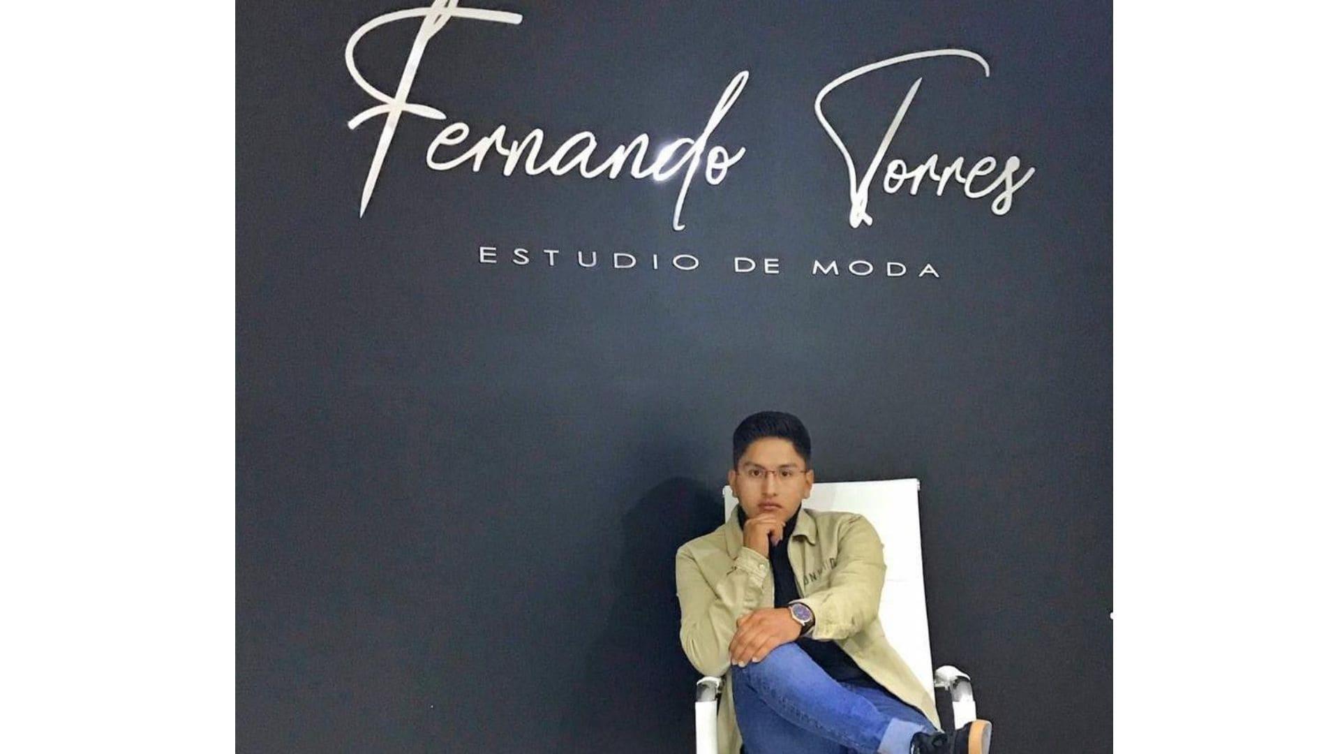 Fernando Torres, el nuevo talento joven de la moda masculina en Ecuador
