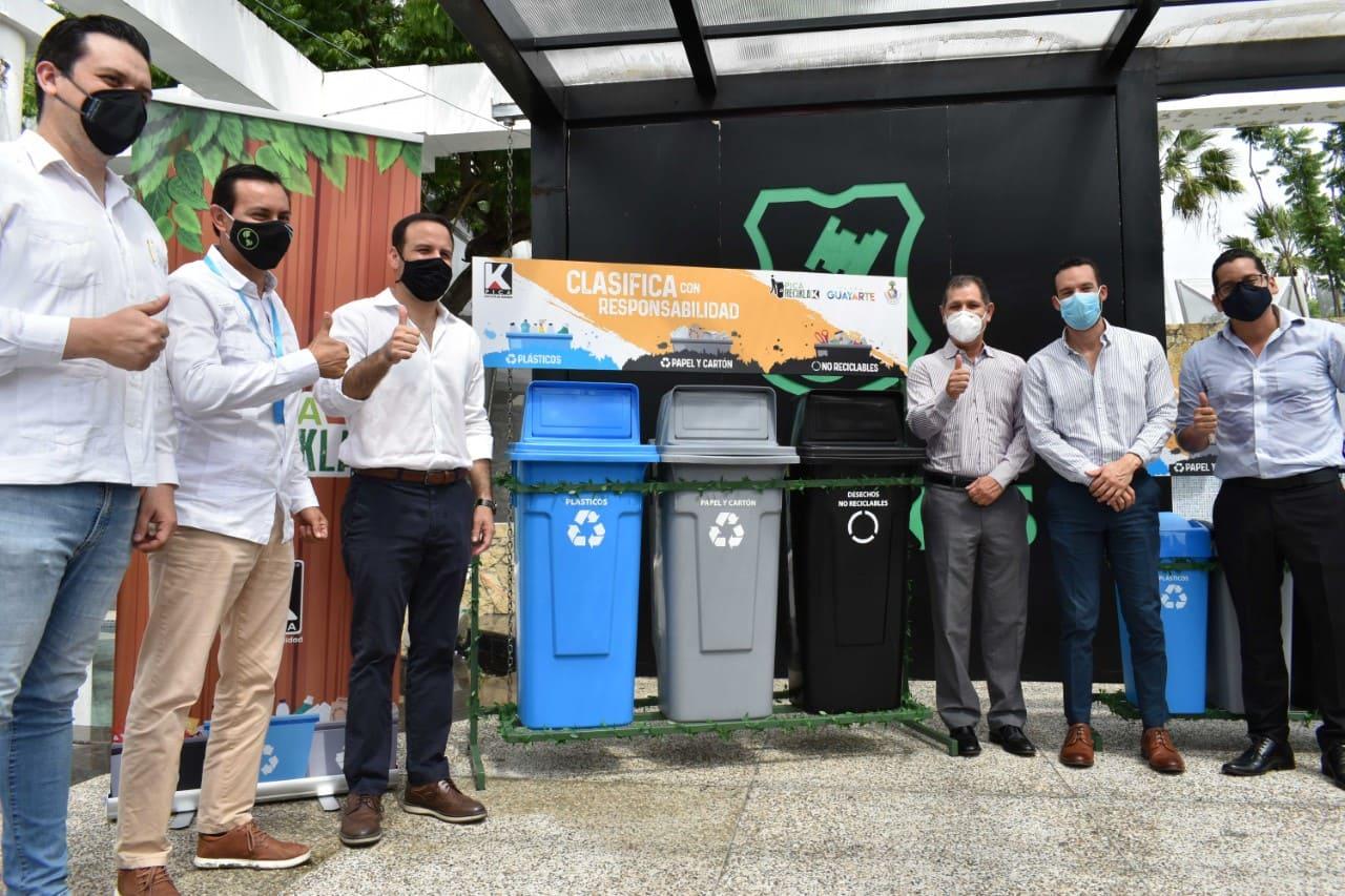 Fundación Malecón 2000 y empresa privada firmaron convenio de reciclaje con Plaza Guayarte
