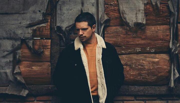 """Lasso presenta """"Tenemos que Hablar"""" parte de su próximo EP """"Otoño"""""""