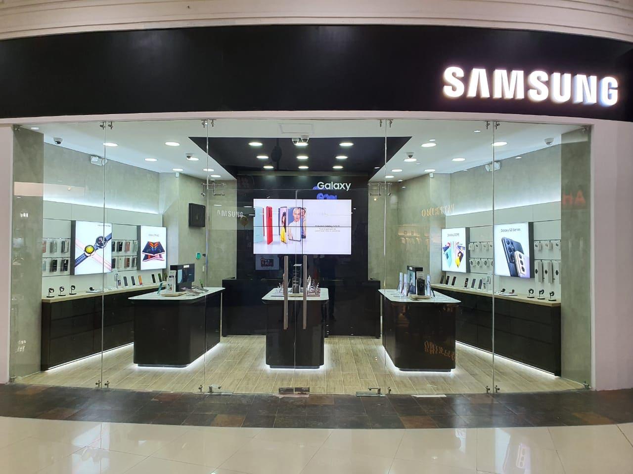 Samsung abrirá nuevos centros de experiencia en Manta, Machala y Ambato