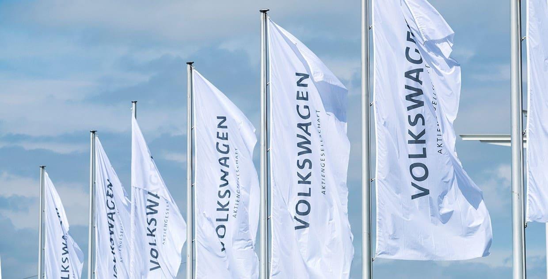 Volkswagen AG lidera el mercado global automotriz, al cierre de 2020
