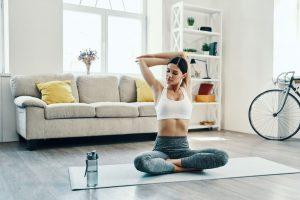 ¿Qué hacer antes y después de la rutina deportiva en casa?