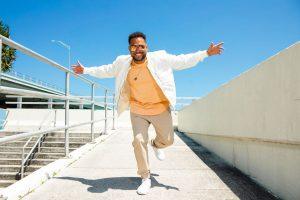 """El jamaicano Conkarah debuta con el dulce hit del verano """"Papaya"""" (Sick Wit It Crew)"""