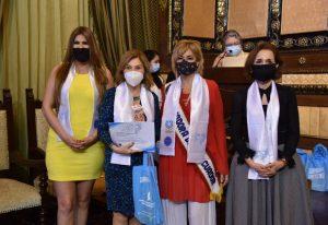 Isabel Noboa fue reconocida como empresaria destacada por el Municipio de Guayaquil y la ODAEE