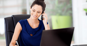 El 45% de las mujeres considera que tiene más dificultades para acceder a cargos altos