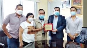 Oriental recibe placa de reconocimiento de la Gobernación de Los Ríos por el apoyo durante la etapa invernal