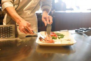 ¿Cómo ayudar a los negocios gastronómicos a sobrevivir al confinamiento?