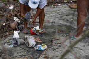 Programa de Limpieza Costera en la lucha por Océanos Libres de desechos