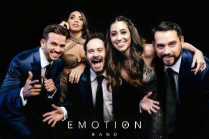 San Marino Shopping celebra a papá con el grupo guayaquileño 'Emotion Band'