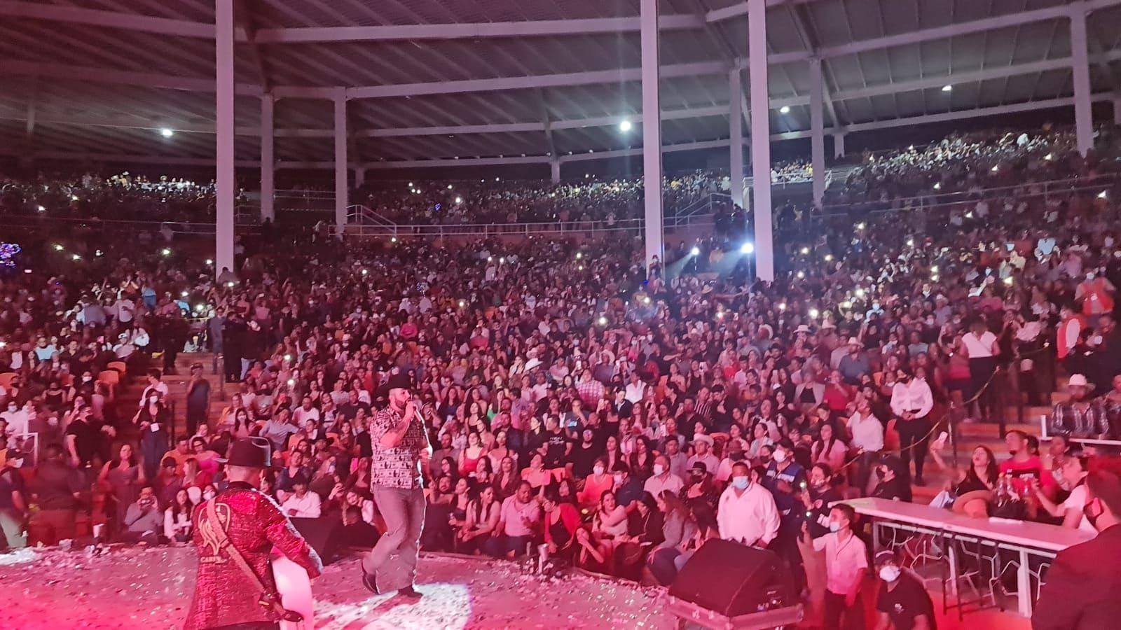 Después de su exitoso concierto en México, Carin León estará presente en el 'Billboard Latin Music Week'