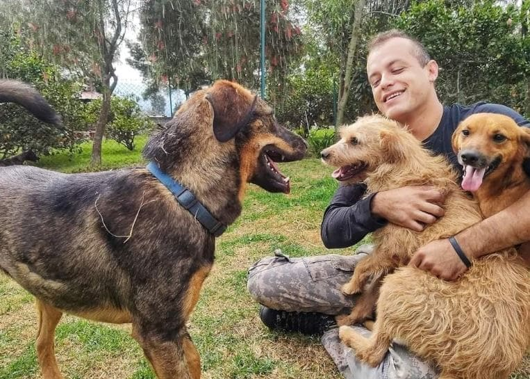Etafashion realiza una alianza con la Fundación Acción Animal Ecuador contribuyendo a más de 200 animalitos que están en el refugio