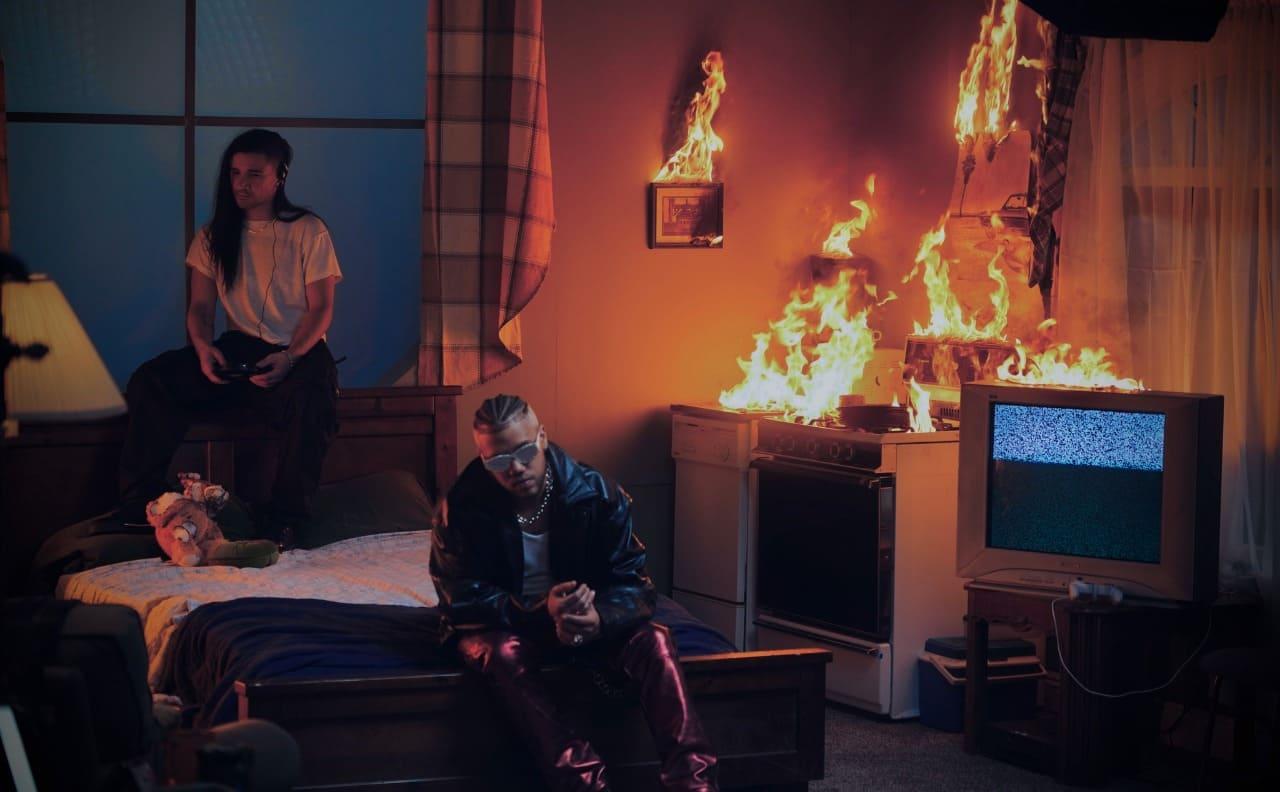 """Jhay Cortez estrena nuevo sencillo con Skrillex """"En Mi Cuarto"""" protagonizado por Mia Khalifa"""