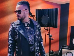 El artista dominicano RT Mundial presenta su nuevo sencillo y videoclip 'Me Manipulas'