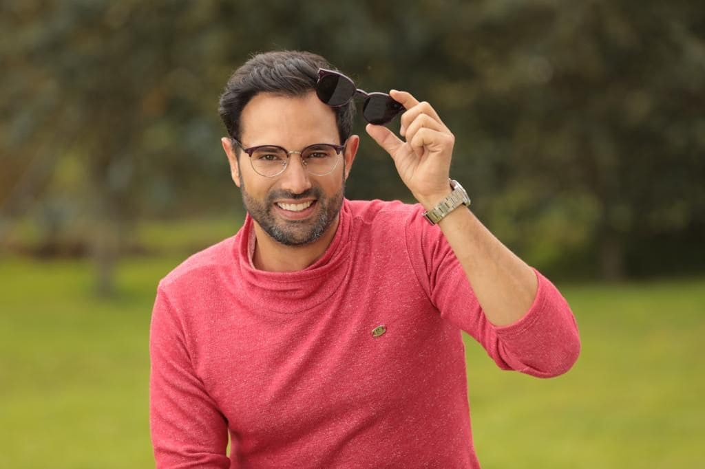 El actor Alejandro Estrada con pasos firmes en los negocios a través su marca 'Ocho y medio'