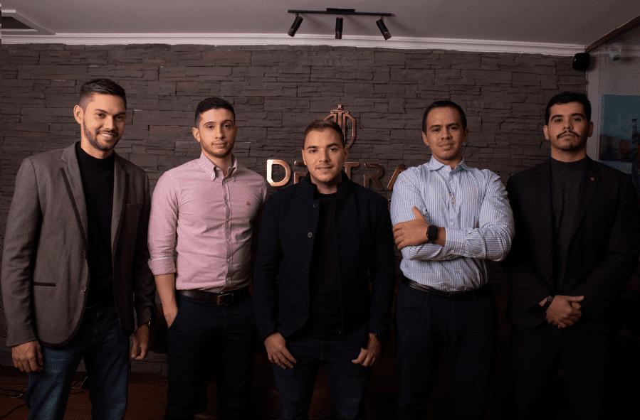 El negocio de la música a través de los ojos de Destra, la firma de abogados joven que forma artistas y empresarios