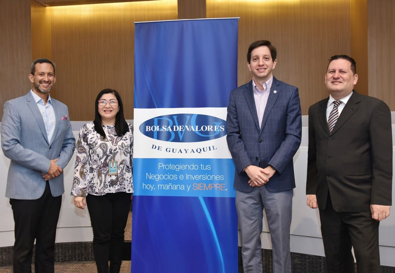 La Bolsa de Valores de Guayaquil capacita a personal del Banco Guayaquil y Banco Bolivariano