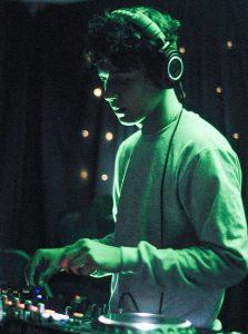 El guayaquileño Paul Stenn busca posicionarse como uno de los DJs más importantes del país