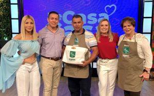 Ingenio San Carlos promueve la repostería ecuatoriana y premia a ganador de su concurso
