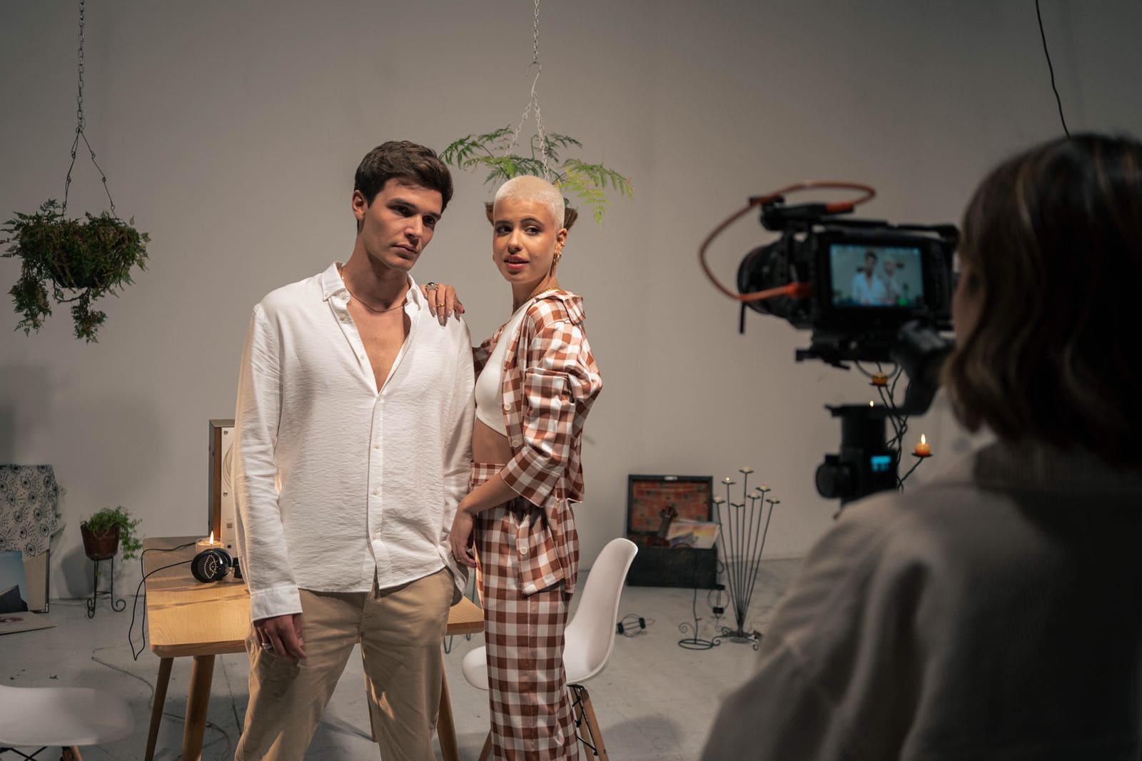 Annasofia, la colombiana con mayor proyección, estrena 'Tus Ojos' junto a Alejandro Santamaria
