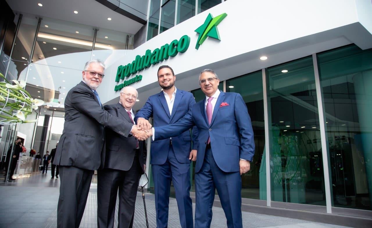 Empresa privada inaugura un moderno edificio sostenible en Guayaquil
