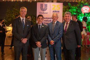 Unilever recibe reconocimiento por sus 25 años de trayectoria empresarial en Ecuador